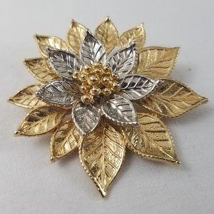 Vintage Stunning Gold Tone Flower